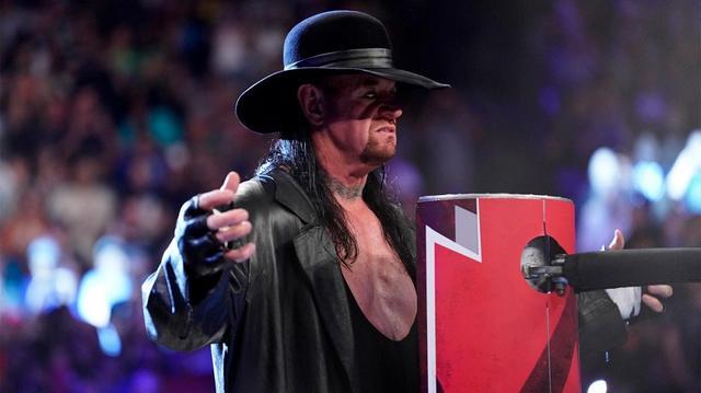 画像: アンダーテイカーが「ゴールドバーグ、次はお前だ!静かに眠れ」【6・3 WWE】