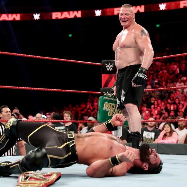 画像: レスナーが王者ロリンズを病院送り。キャッシュインは金曜日?【6・3 WWE】