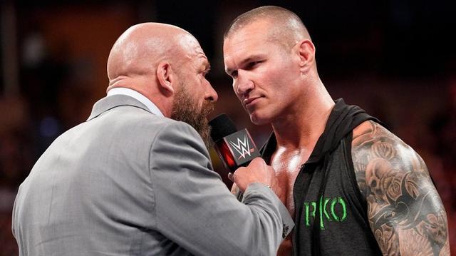画像: 「スーパー・ショーダウン」で対戦のトリプルHとオートンが一触即発【6・3 WWE】