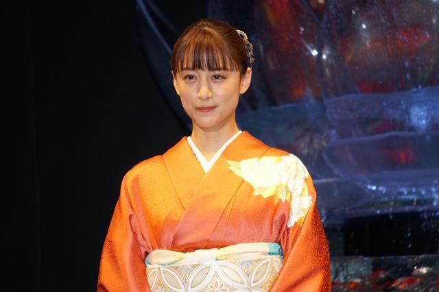 画像: 山本美月「そのニュースで目が覚めた」出身校の先輩・蒼井優の結婚報道に祝福