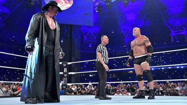 画像: アンダーテイカーがゴールドバーグとの初対決を制す【6・7 WWE】