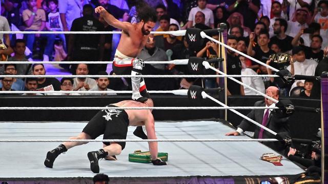 画像: ロリンズが王座防衛!そしてレスナーもカーブストンプでKO!【6・7 WWE】