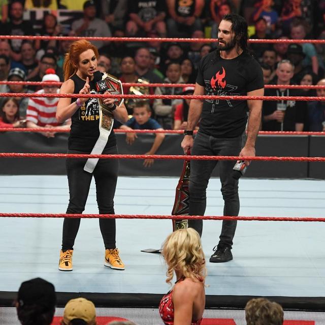 画像: ロリンズ&ベッキーがコービン&レイシーと勝者総取り戦【7・14 WWE】