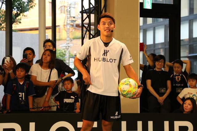 画像: 日本代表・堂安律が小学生に「世界で活躍するためにはメンタルがすべて」とアドバイス