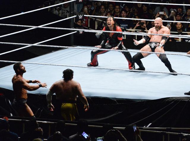 画像: 中邑真輔とトリプルHがまさかのタッグ結成。中邑は凱旋試合初勝利【6・29 WWE】