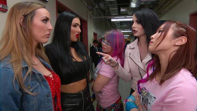 画像: アスカとカイリがタッグ王者アイコニックスを挑発【7・9 WWE】