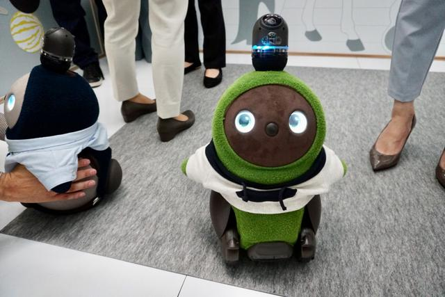 """画像: """"未来の家""""で家庭型ロボットと触れ合おう/7月23日(火)の東京イベント"""