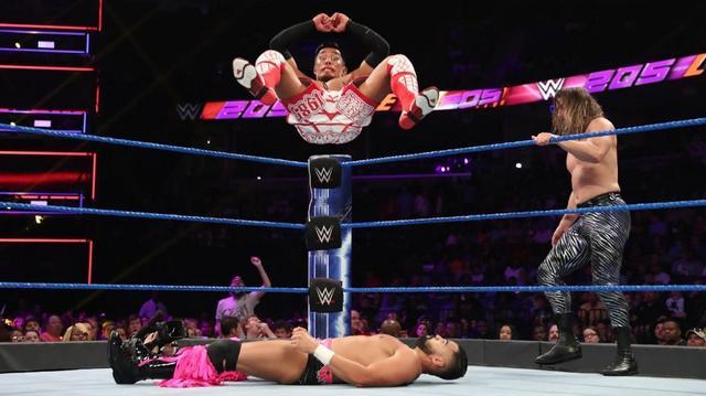 画像: 戸澤&ケンドリックがシン・ブラザーズ撃破【7・30 WWE】
