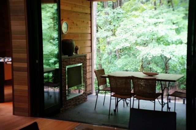 """画像: 同じ空間で仲間たちと休み方をシェアする""""逗留2.0"""" 白馬のシャレーは、宿泊のイメージを変える"""