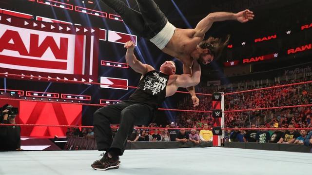 画像: サマースラムを前にレスナーが再びロリンズをF5葬【8・5 WWE】