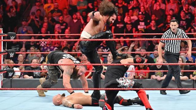 画像: ロリンズ&ストローマンがロウタッグ王座獲得【8・19 WWE】