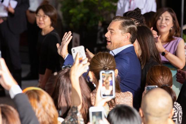 画像: ディカプリオとタランティーノの2ショット姿に日本のファンも大感激