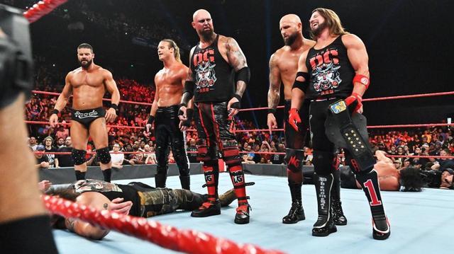 画像: AJ率いるThe OCらがロリンズ&ストローマンを襲撃KO【9・2 WWE】