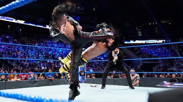 画像: 中邑とゼインが因縁のアリを襲撃。最後はキンシャサ葬【9・17 WWE】