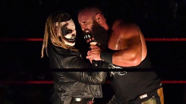 画像: 乱入のワイアットがストローマンをKO【9・23 WWE】