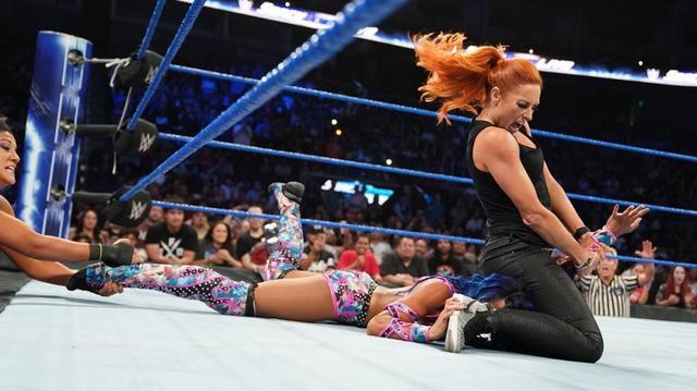 画像: ベッキー&シャーロットvsサーシャ&ベイリーのタッグ戦が決定【9・25 WWE】