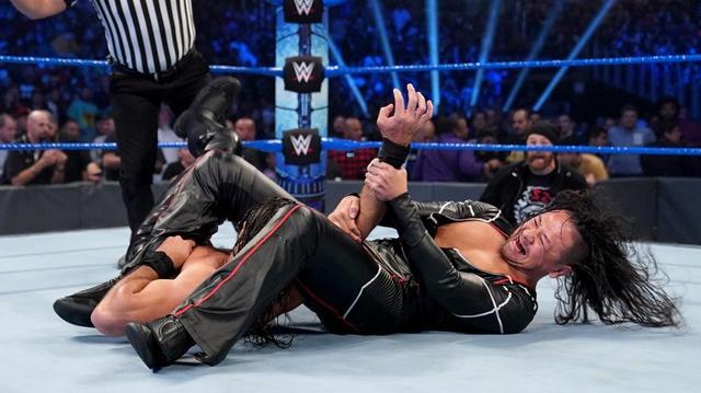 画像: 乱入のワイアットがロリンズと中邑の王者対決ぶち壊す【10・4 WWE】