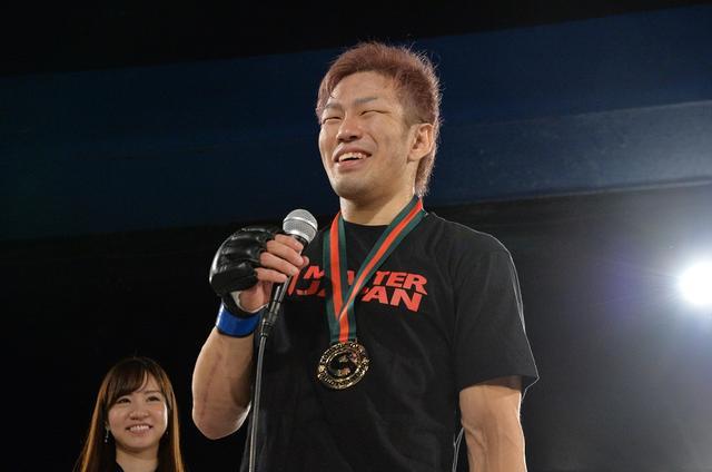 画像: フェザー級戦でSASUKEが一本勝ちで復帰後2連勝。敗れた稲葉聡は引退表明【10・20 修斗】