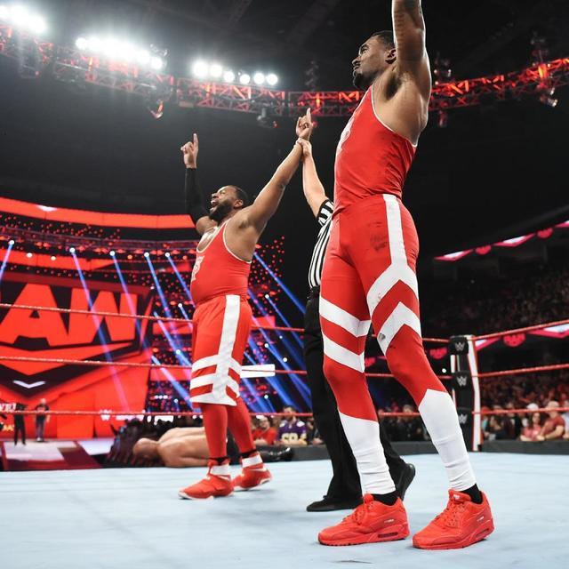 画像: ストリート・プロフィッツがロウ・デビュー戦でThe OC撃破【10・21 WWE】