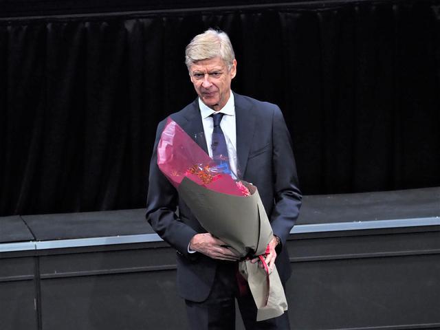 画像: ヴェンゲル氏が「街とサッカースタジアムの幸せな関係」をテーマに基調講演