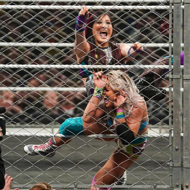 画像: 紫雷イオのチーム・ベイズラーがウォーゲームズ戦で逆転負け【11・23 WWE】