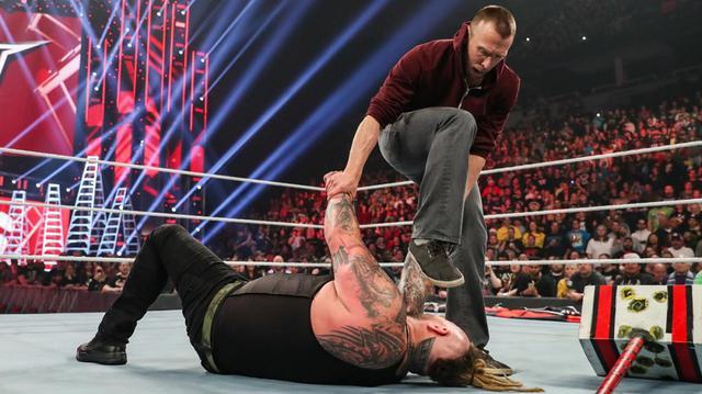 """画像: ブライアンがワイアットを蹴散らして""""イエス""""チャントを連呼【12・15 WWE】"""