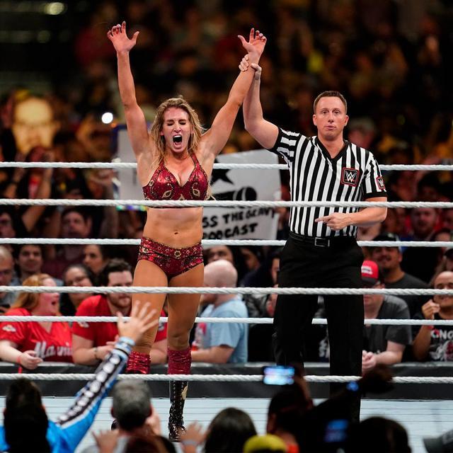画像: 女子ロイヤルランブル戦でシャーロット・フレアーが優勝【1・26 WWE】