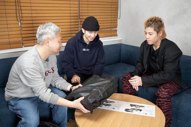 画像: 【先出し】THE RAMPAGE長谷川慎と後藤琢磨、夢のコラボスニーカーはリル・ジュピター超え!?
