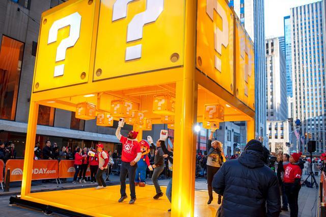 """画像: NYに""""ハテナブロック""""が突如出現!ニューヨーカー大熱狂"""