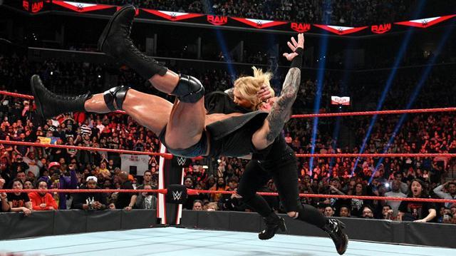 画像: オートンがエッジに続き、妻ベスにもRKO【3・2 WWE】