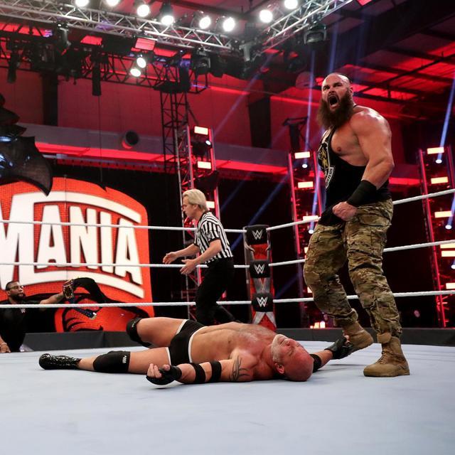 画像: ゴールドバーグがストローマンに敗れユニバーサル王座から陥落【WWE レッスルマニア】