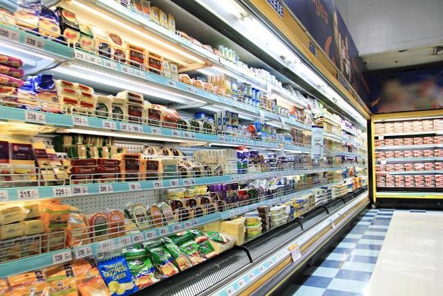 画像: 東京都、スーパーでの買い物は「3日に1回に」。時間や人数制限は設けず