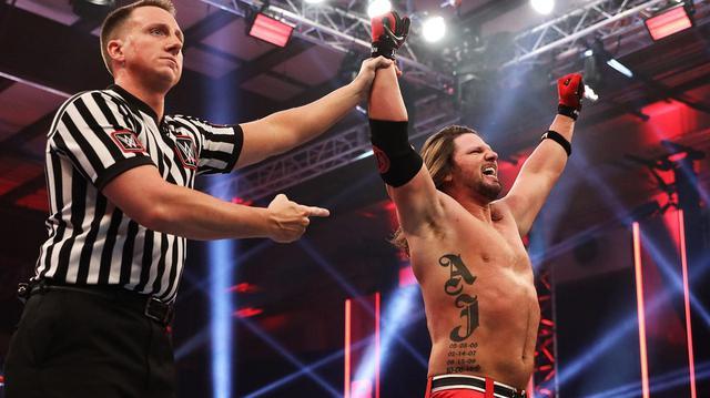 画像: 墓の下から生還したAJスタイルズがMITBラダー戦出場を決めて完全復活【WWE】