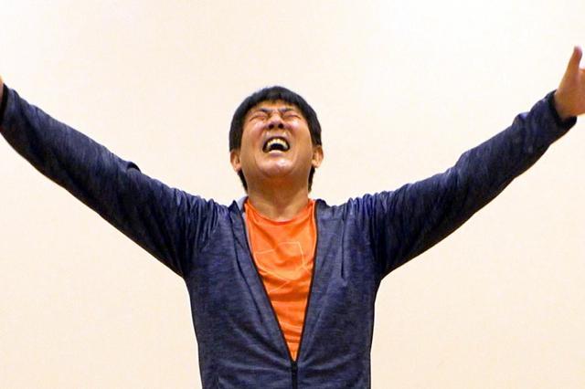 画像: TUBE 前田亘輝が体操動画! 夏うた曲メドレーで体を動かす