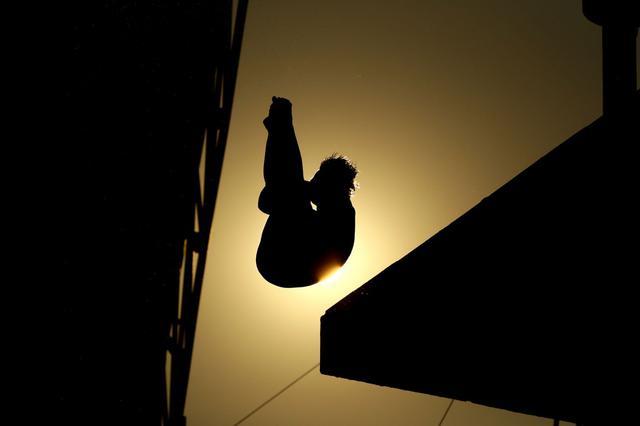 画像: リオデジャネイロ五輪 飛込 – ブラジルの太陽を背に宙を舞う板橋美波【アフロスポーツ プロの瞬撮】
