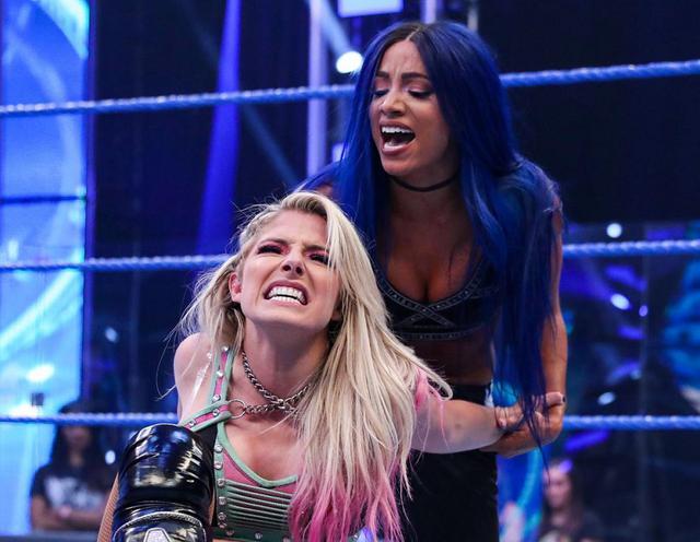 画像: 因縁勃発のアレクサ&ニッキーとベイリー&サーシャの女子タッグ王座戦が決定【WWE】