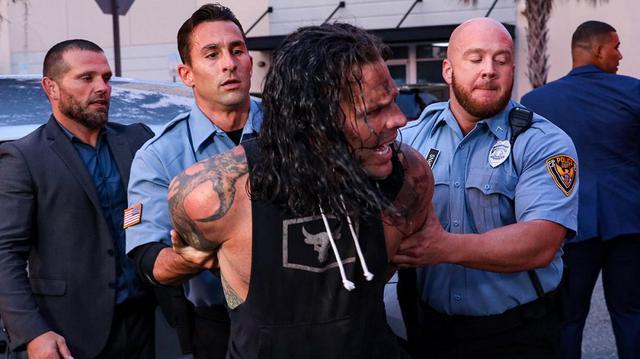 画像: ブライアンとAJスタイルズがIC王座決定トーナメント決勝に進出【WWE】