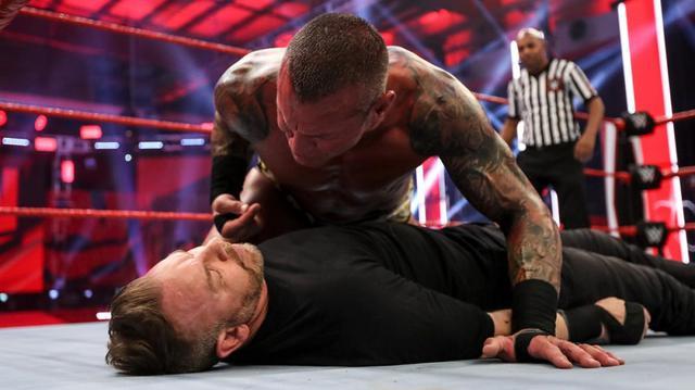 """画像: """"レジェンドキラー""""オートンが非公認戦でクリスチャンをKO【WWE】"""