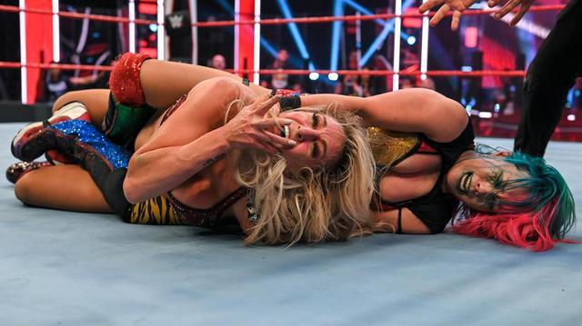 画像: シャーロット相手に王座防衛のアスカにサーシャが挑戦表明【WWE】