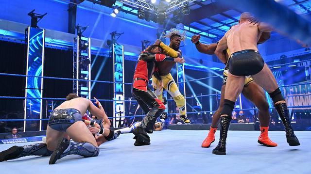 画像: 中邑&セザーロとニュー・デイの遺恨が8人タッグ戦で激化【WWE】