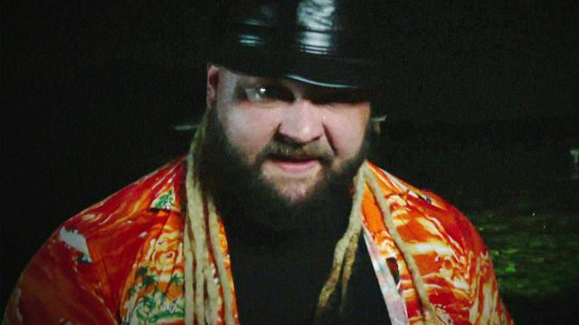 """画像: ワイアットが""""スワンプ・ファイト""""で「お前を破壊する」とストローマンを挑発【WWE】"""