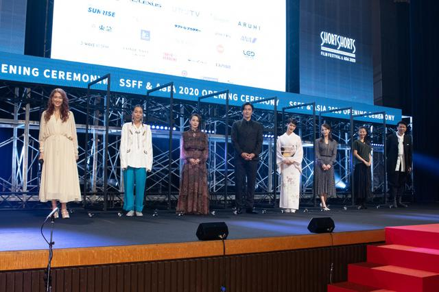 "画像: 剛力彩芽""決意""の和装で登場!国際短編映画祭SSFF & ASIA 2020開幕"