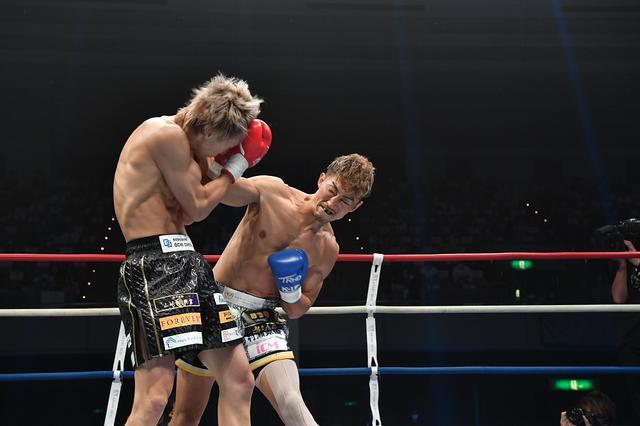 画像: 山崎秀晃が安保を1Rで粉砕KO。悲願の王座奪取に「神様が見てくれていた」【K-1大阪】