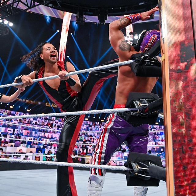 画像: 中邑&セザーロが連携キンシャサ弾で王座防衛に成功【WWE】