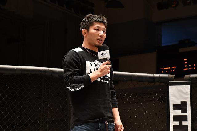 画像: RIZIN王者となった斎藤裕が凱旋「ここでやってきた経験でRIZINという舞台で勝つことができた」【修斗】