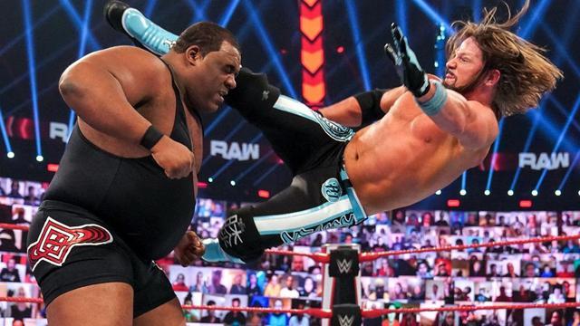 画像: 三つ巴戦を制したAJスタイルズと王者マッキンタイアのWWE王座戦が「TLC」で決定【WWE】