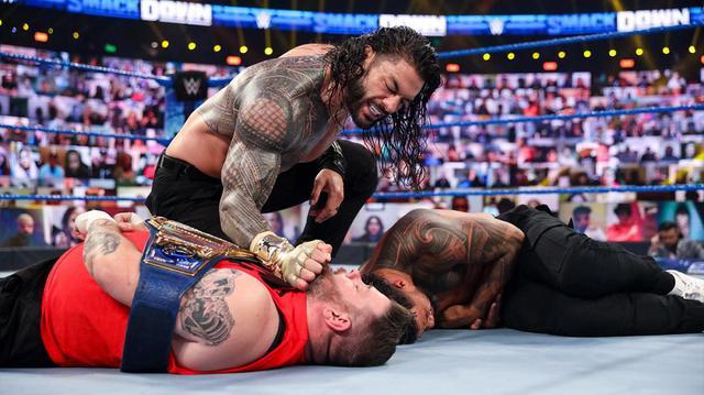画像: 王者レインズvsオーエンズのユニバーサル王座TLC戦が決定【WWE】