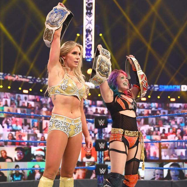 画像: 王者アスカ&シャーロットが強豪相手のトリプルスレット戦で王座初防衛【WWE】