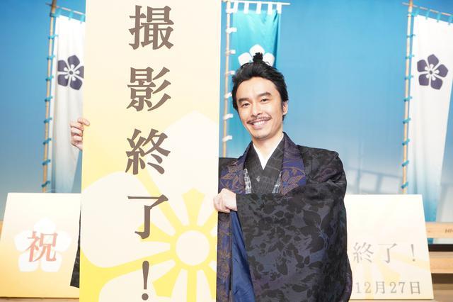 画像: 長谷川博己がクランクアップ!「 現世でも、麒麟がくる世を願って」<麒麟がくる>