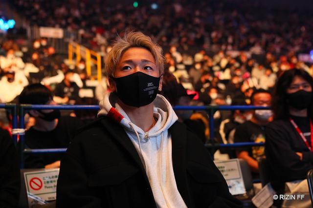 画像: K-1王者・武尊が那須川天心の「一緒に格闘技を盛り上げましょう」に静かにうなずく